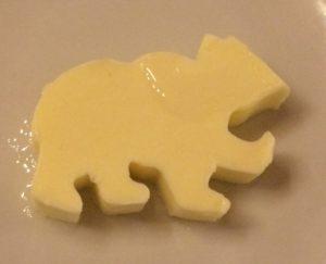 This bear made of butter in the Zum Roten Bären in Freiburg im Breisgau is an eye-catcher. © 2017, Münzenberg Media, Photo: Stefan Pribnow